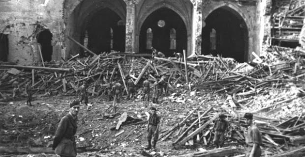 16 Agosto 1943, Brianza, dopo il passaggio degli alleati dal cielo.